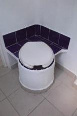 Taza baño seco cerrada